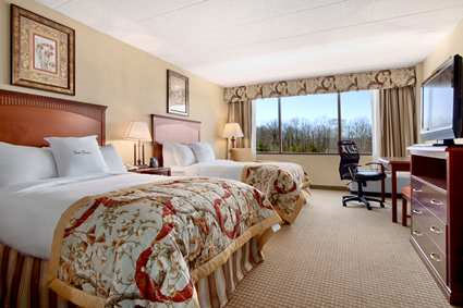 Doubletree Charlottesvile Sleeping Room a